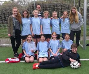 Foto Fußball Mädchen WK IV 2016 bearb