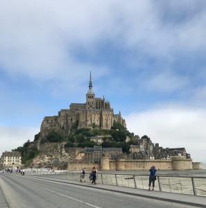 Mont St Michel von der Brücke
